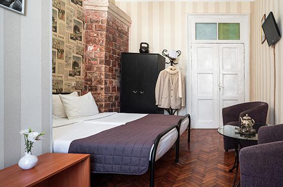 Ostap Bender, Hotel Tsentralnaya, Odessa